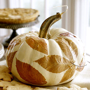 contemporary Thanksgiving, decoupage, pumpkin, autumn decor, Thanksgiving centrepiece
