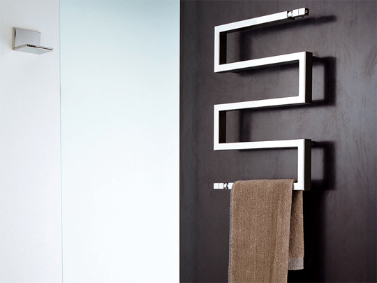 The Snake by Scirocco towel warmer