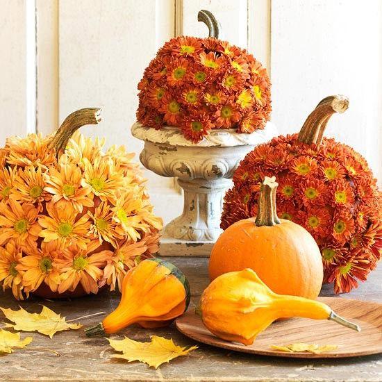 Flower Pumpkin Thanksgiving Table Centerpiece Decorating Idea